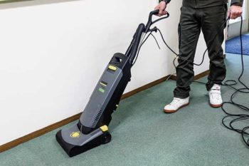カーペット清掃-掃除機