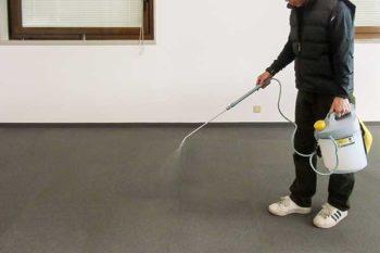 カーペット清掃-前処理剤の噴霧