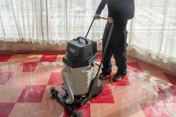 床清掃クリーニング